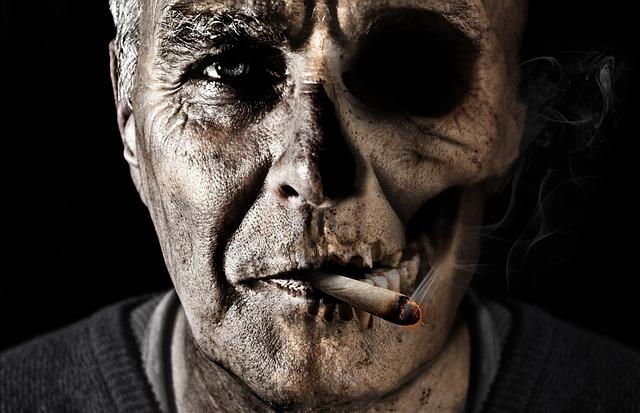 smoking-1418483_640