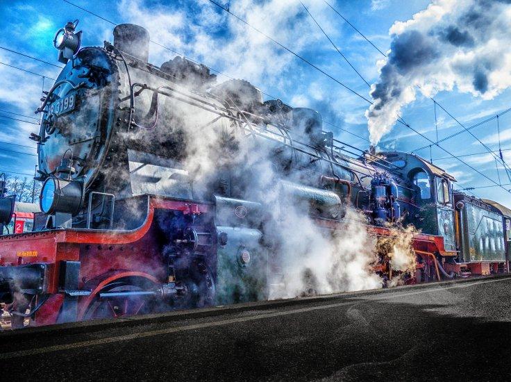 train-2181576_1920